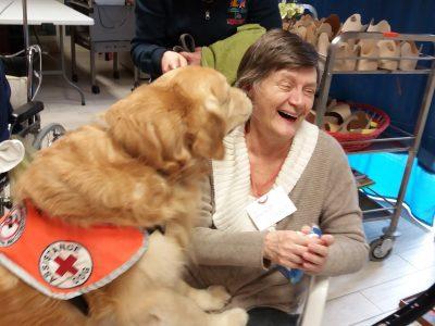 """""""Un cane per sorridere ancora"""": la pet therapy per gli ospiti delle residenze per anziani"""