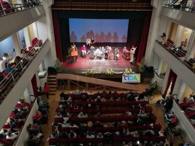 """""""CIDAS in Scena"""", i lavoratori e gli ospiti della cooperativa sul palco per beneficenza"""