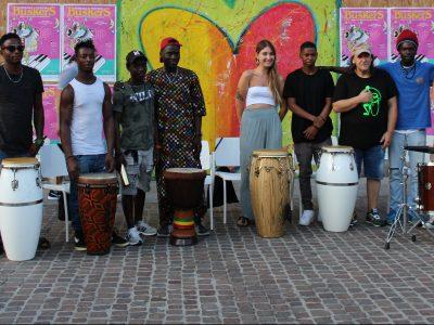 CIDAS ed il Buskers Festival: l'esibizione dei Camelot Combo in centro e la visita degli artisti nelle strutture